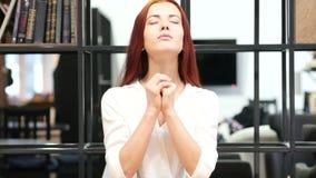 Mujer que ruega para el perdón, interior metrajes