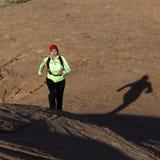 Mujer que se ejecuta al aire libre Fotos de archivo libres de regalías