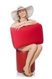 Mujer que se prepara para las vacaciones de verano Imagen de archivo libre de regalías