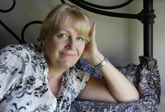 Mujer que se relaja Imágenes de archivo libres de regalías