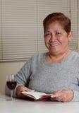 Mujer que se relaja Fotografía de archivo libre de regalías