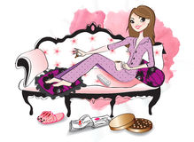 Mujer que se relaja en un sofá stock de ilustración