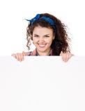 Mujer que sostiene el letrero Imagen de archivo