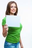 Mujer que sostiene la tarjeta del blanc Fotos de archivo