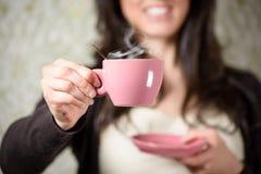Cocido al vapor de la taza al vapor de café Foto de archivo libre de regalías