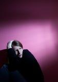 mujer que sufre de la depresión severa Fotos de archivo libres de regalías