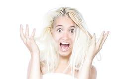 Mujer que tiene un mán día del pelo Fotos de archivo libres de regalías