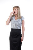 Mujer que tose o que bosteza Foto de archivo