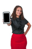 Mujer que usa la tablilla Foto de archivo libre de regalías