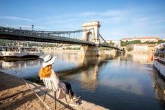 Mujer que viaja en Budapest imágenes de archivo libres de regalías