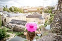 Mujer que viaja en Luxemburgo Fotos de archivo