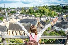 Mujer que viaja en Luxemburgo Imagen de archivo