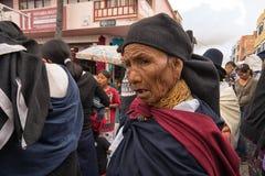 Mujer quechua indígena en Otavalo Ecuador Imagen de archivo libre de regalías