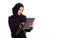 Tableta árabe de la mujer Imagen de archivo