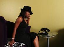 Mujer Receivi del afroamericano Fotos de archivo libres de regalías