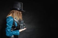 Mujer retra con la cámara vieja Steampunk Foto de archivo