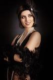 Mujer retra hermosa del rugido 20s listo para ir de fiesta Foto de archivo libre de regalías