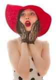 mujer Retro-labrada en sombrero rojo Imagenes de archivo