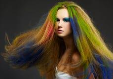 Mujer rizada de pelo largo del redhead Imagenes de archivo