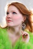 Mujer roja atractiva hermosa joven Imagenes de archivo