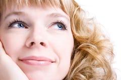 Mujer romántica con el retrato del pelo rizado imagen de archivo libre de regalías