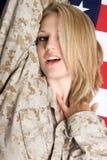 Mujer rubia atractiva foto de archivo libre de regalías