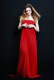 Mujer rubia atractiva hermosa joven Imágenes de archivo libres de regalías