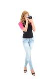 Mujer rubia con la cámara retra Fotografía de archivo