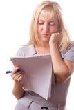 Mujer rubia con la pista de nota. Aislado. #10 Fotografía de archivo