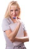 Mujer rubia con la pista de nota. Aislado. #6 Imagenes de archivo