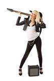 Mujer rubia en la presentación con la guitarra eléctrica Fotografía de archivo