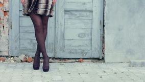 Mujer rubia joven en una piel hermosa Modelo almacen de metraje de vídeo