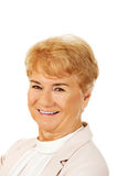 Mujer rubia mayor elegante de la sonrisa Imagen de archivo