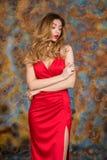 Mujer rubia muy atractiva y sensual fotografía de archivo libre de regalías