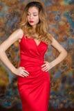 Mujer rubia muy atractiva y sensual foto de archivo libre de regalías