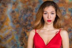 Mujer rubia muy atractiva y sensual fotos de archivo