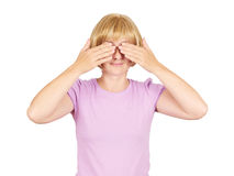 Mujer rubia que la cubre ojos, Fotos de archivo libres de regalías