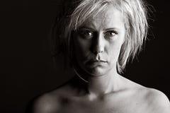 Mujer rubia trastornada Fotos de archivo