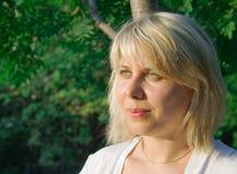 Mujer-rubio joven Imagen de archivo libre de regalías