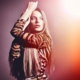 Mujer sensual hermosa de la moda. Tono multicolor de la foto del arte pop Imágenes de archivo libres de regalías