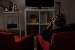 Mujer sola solamente en casa fotos de archivo libres de regalías