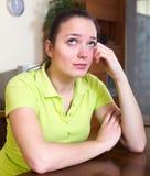 Mujer sola y triste fotos de archivo libres de regalías