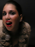 Mujer sonriente en piel Imágenes de archivo libres de regalías