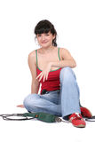 Mujer sonriente y un taladro Foto de archivo