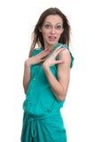 Mujer sorprendida que mira la cámara en el entusiasmo foto de archivo libre de regalías