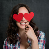 Mujer tímida feliz en amor fotos de archivo libres de regalías