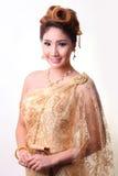 Mujer tailandesa hermosa del retrato en traje tradicional tailandés del vintage Foto de archivo