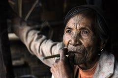 Mujer tatuada tribu de Chin (Muun) Foto de archivo libre de regalías