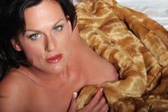 Mujer triguena atractiva Foto de archivo