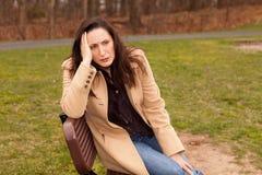 Mujer triste afuera Fotografía de archivo